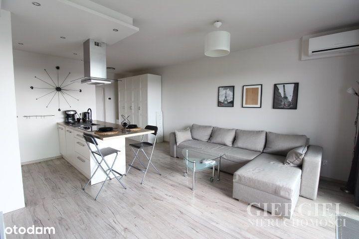 Komfortowe mieszkanie w Capital Towers z tarasem !