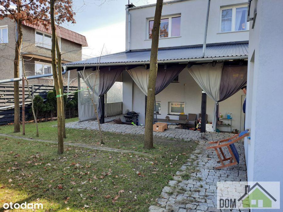 Dom wolnostojący + mały domek, garaż.