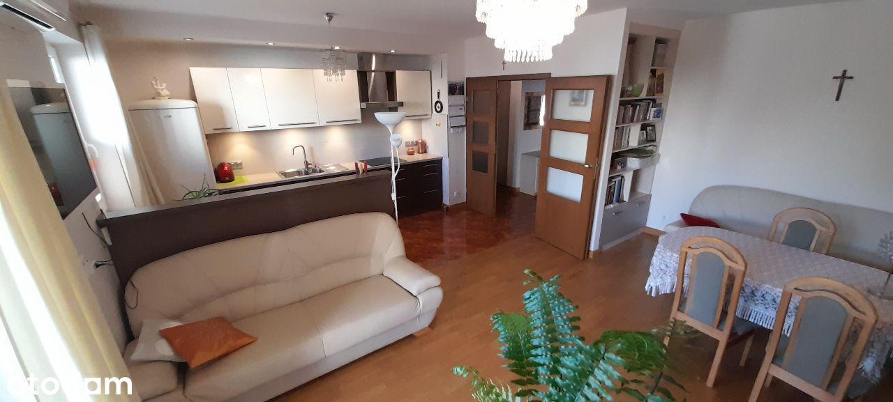 Bezpośrednio, trzy pokoje 80 m2 + garaż podwójny