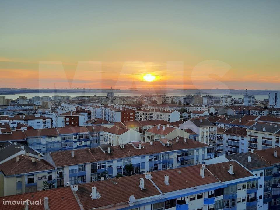Apartamento t3 remodelado em Barreiro
