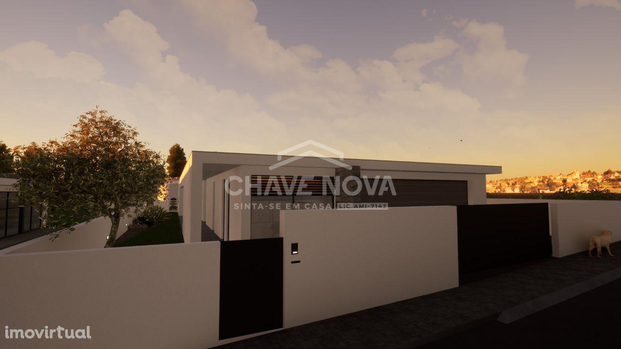 Moradia de luxo, térrea, de T4+1 em construção em Rio Meão