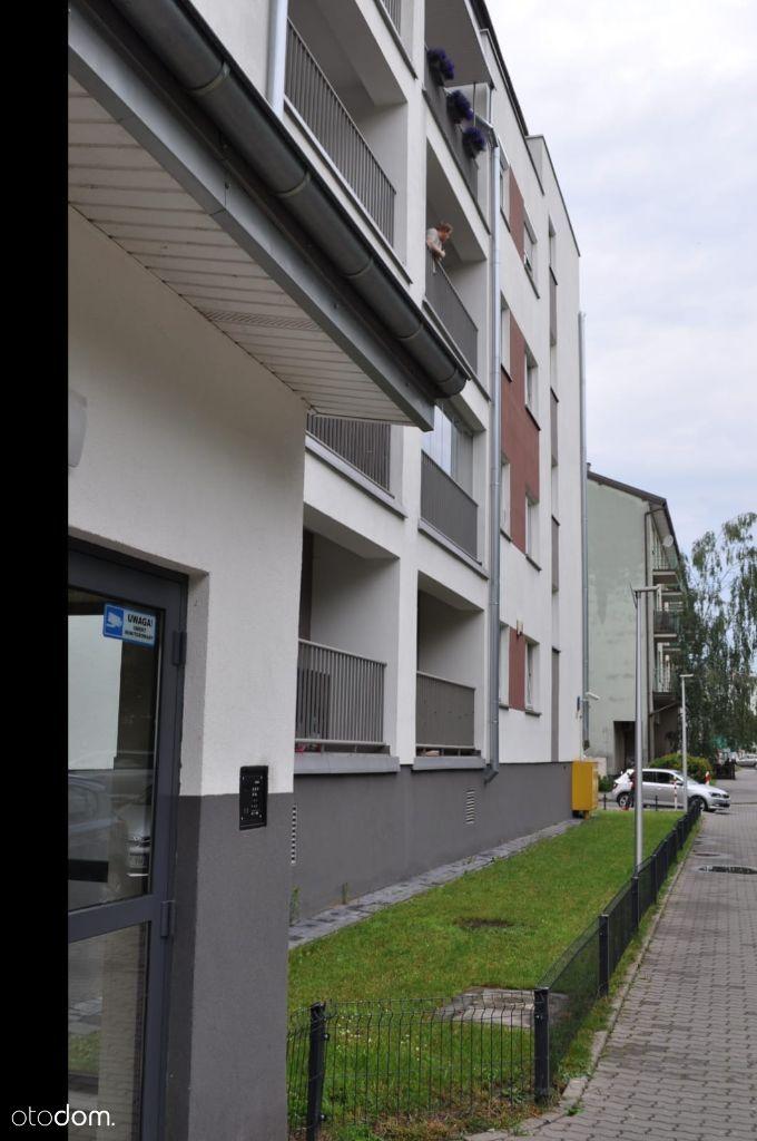 M-4 ulica Mroczna/Wola/garaż/blisko metra