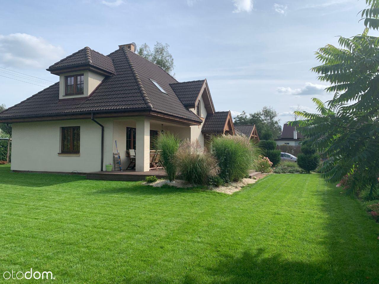 Piękny dom z ogrodem pod Warszawą