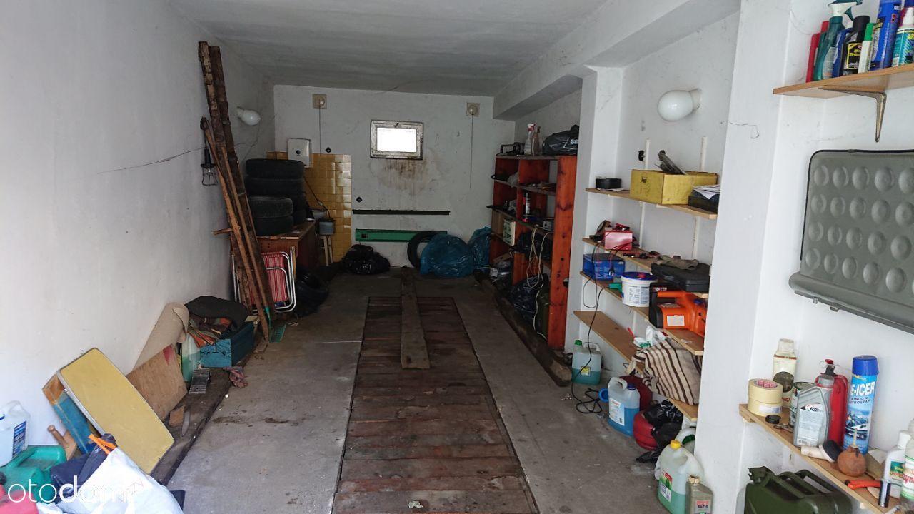 Garaż przy ul. Kazimierza Wielkiego kanał