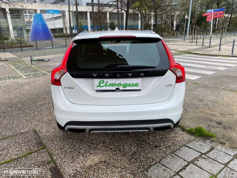 Volvo V60 Cross Country 2.0 D3 Geatronic - 5