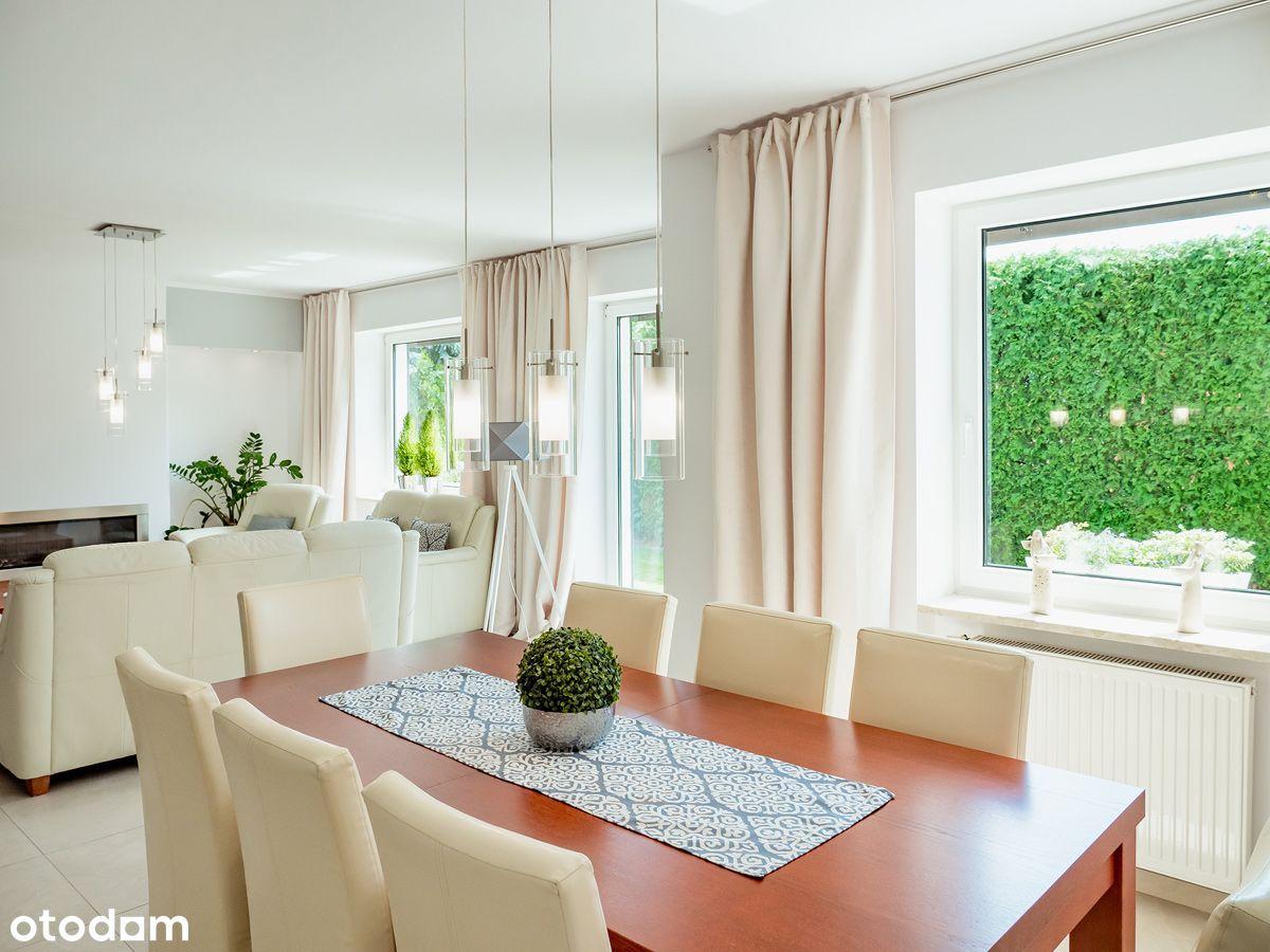 Piękny dom z garażem/klimatyzacja/centrum
