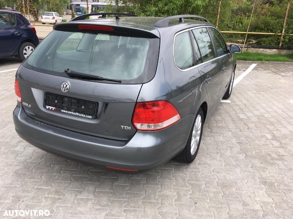 Volkswagen Golf - 6