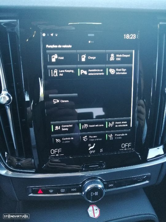 Volvo V90 2.0 T8 Momentum Plus AWD Geartronic - 11
