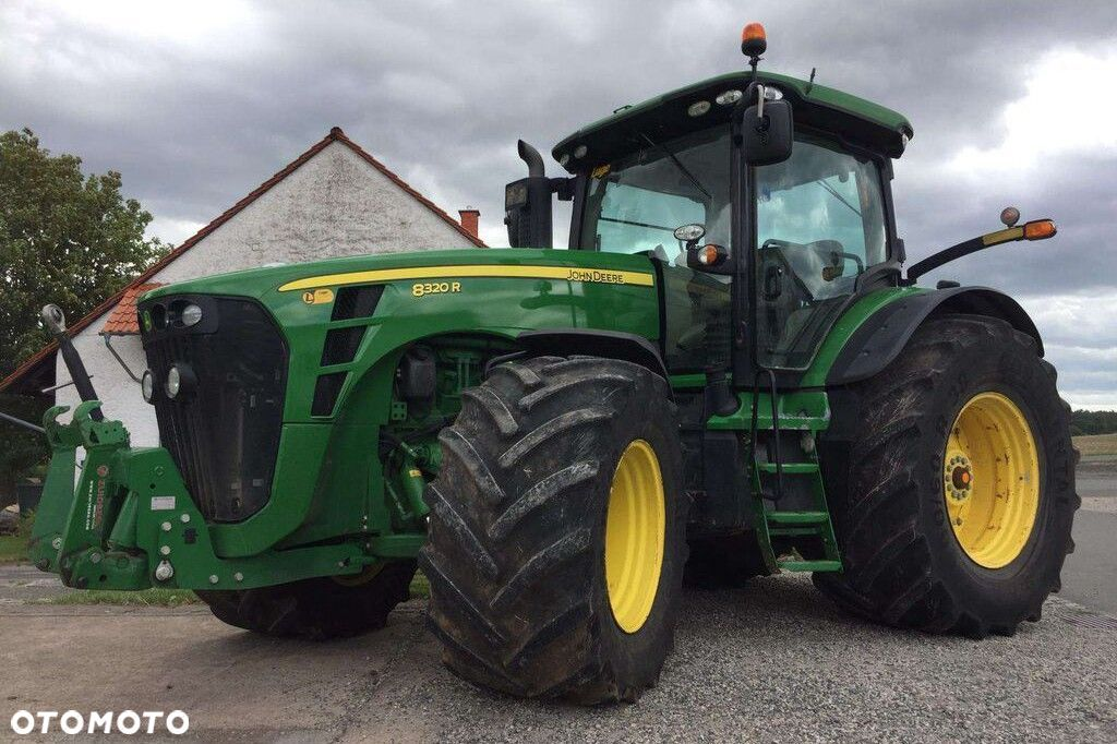 John Deere 8320R POWERSHIFT  John Deere 8320R Powershift - 1
