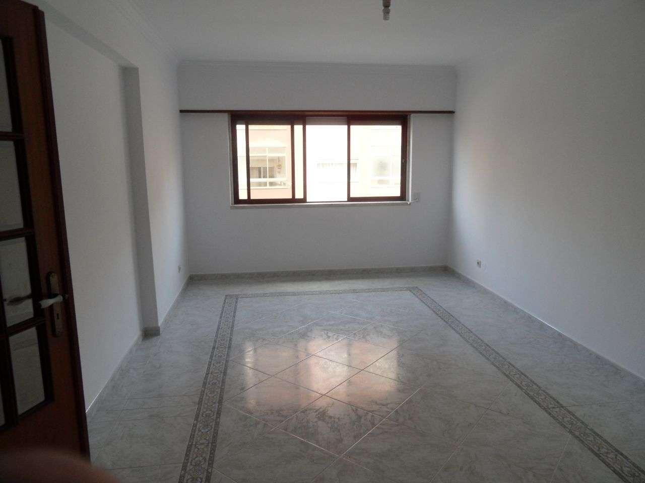 Apartamento para comprar, Rua Luís Sambo, Agualva e Mira-Sintra - Foto 1