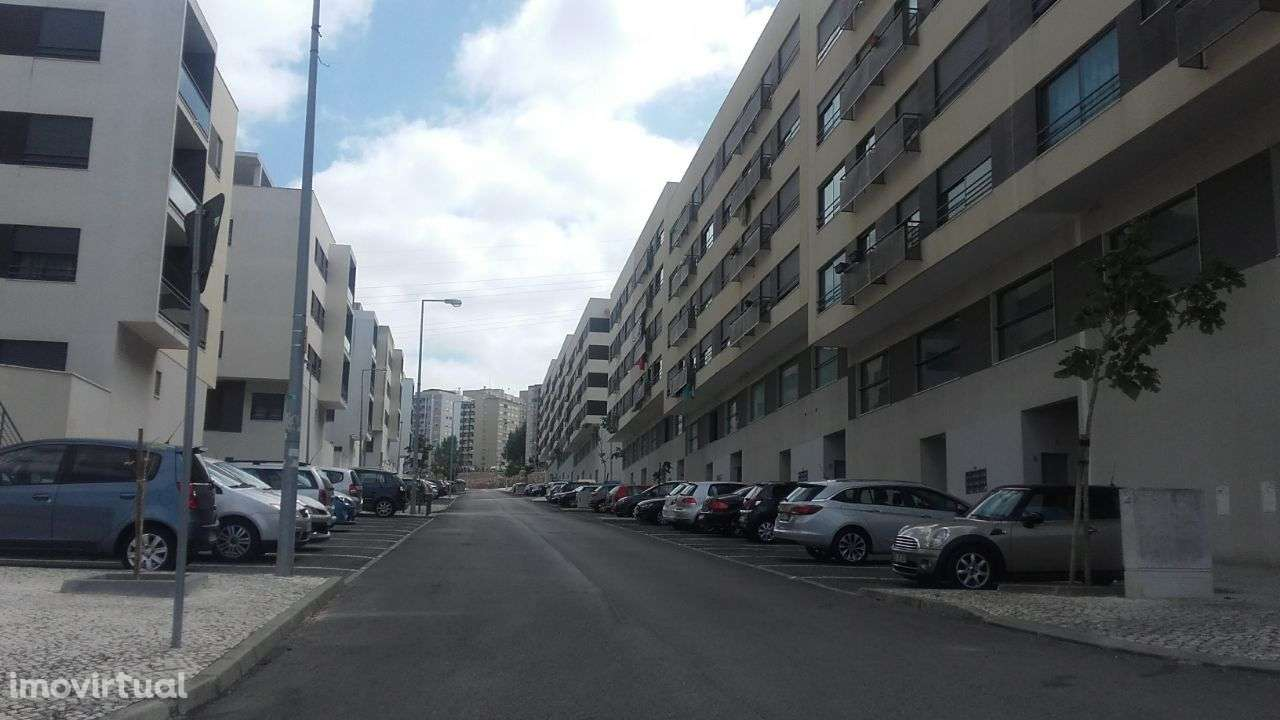 Apartamento para arrendar, Rua Sebastião e Silva, Santo António dos Cavaleiros e Frielas - Foto 17