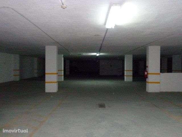 Garagem para comprar, Armação de Pêra, Faro - Foto 1