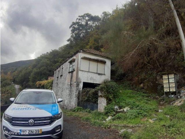 Moradia para restauro Fiães - Melgaço