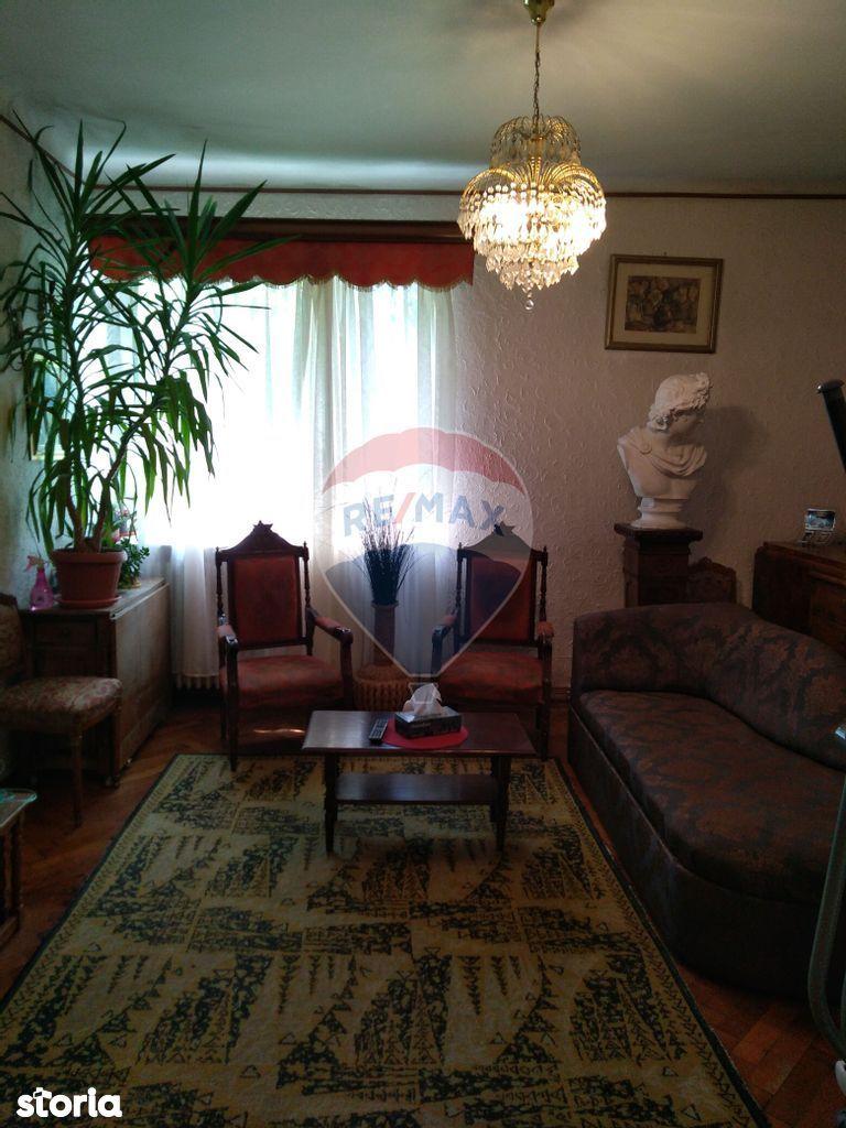 Apartament interbelic 4 camere zona Unirii