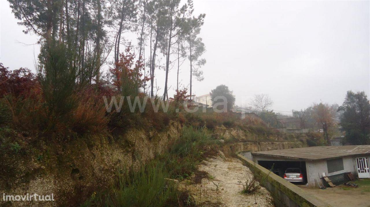 Terreno com 970 m2 em Arões Santa Cristina