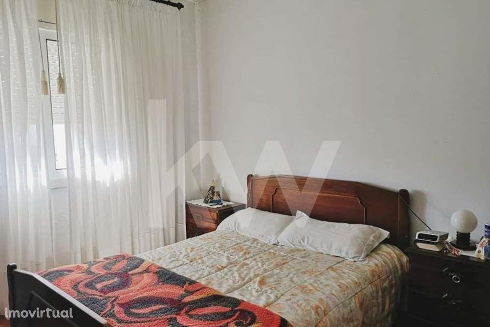 Apartamento T4, situado em Aveiro junto ao centro comercial Glicínias
