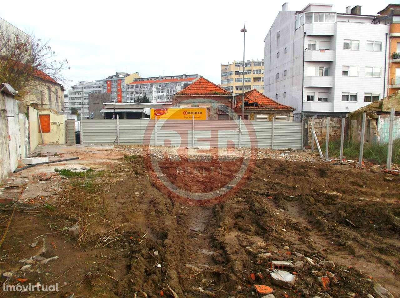 Terreno para comprar, Mafamude e Vilar do Paraíso, Vila Nova de Gaia, Porto - Foto 3