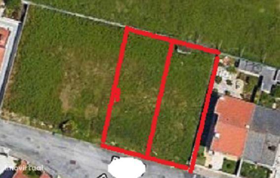 Terreno p/ viabilidade de construção para moradia geminada