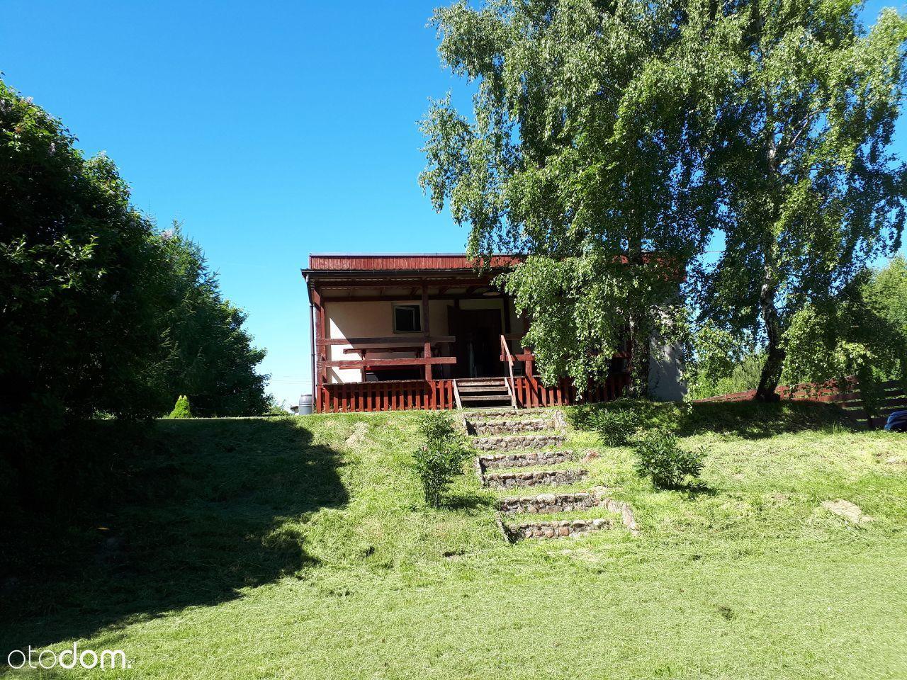 Dom nad jeziorem Resko na terenie parku