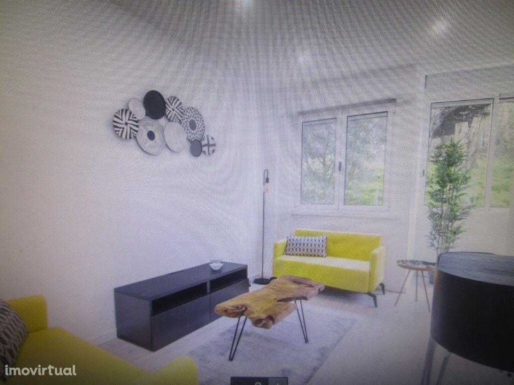Apartamento T2 em Benfica