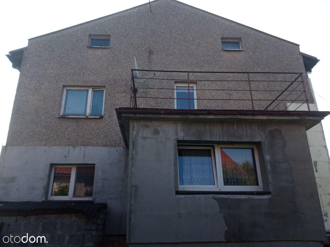 Dwurodzinny dom z dużą działką