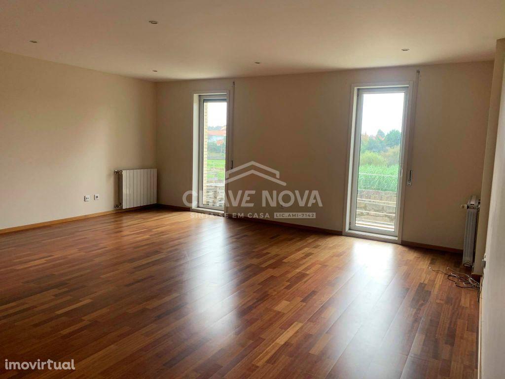 Apartamento T3 à venda em Vilar de Pinheiro, Vila do Conde