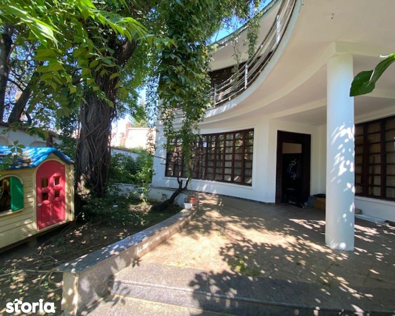 Casa cu teren de 800mp in zona Mosilor - Rosetti
