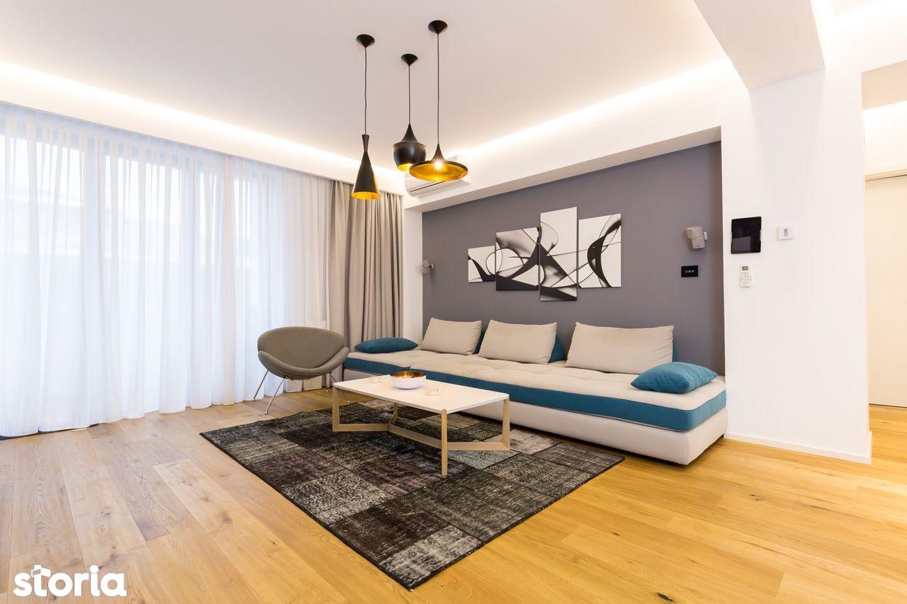 Apartament mobilat si utilat lux, zona ultra centrala cu garaj & boxa