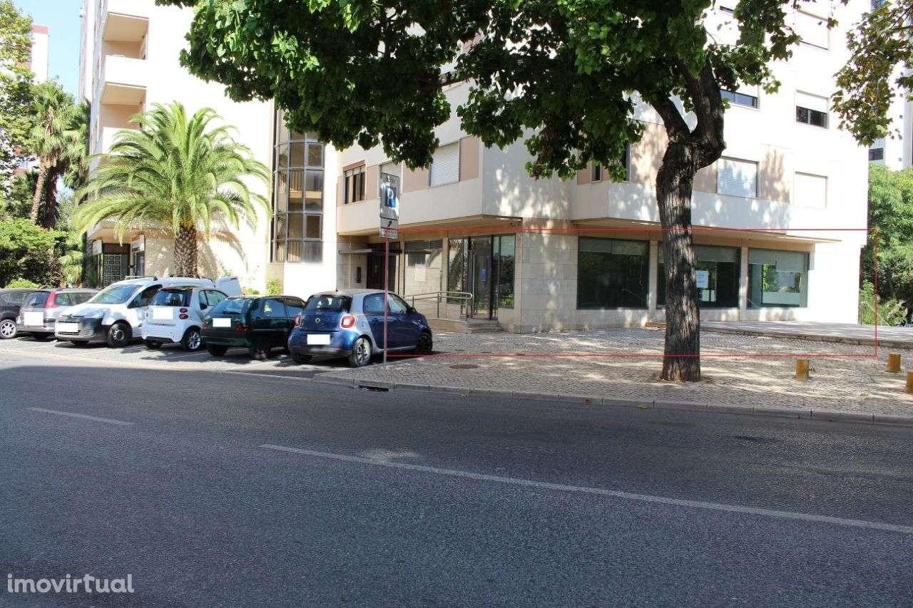 Loja para arrendar, Algés, Linda-a-Velha e Cruz Quebrada-Dafundo, Lisboa - Foto 3