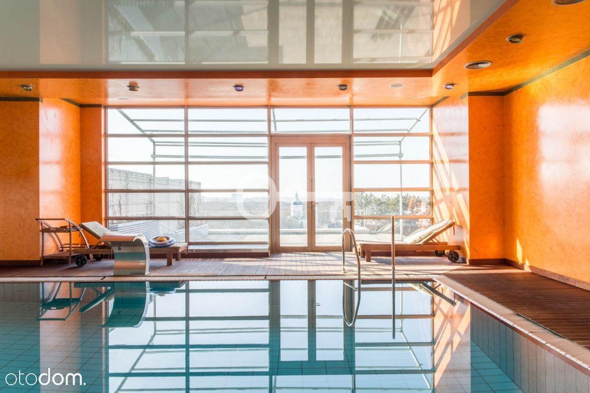 3 pokoje | 319 m2 | Prywatny basen