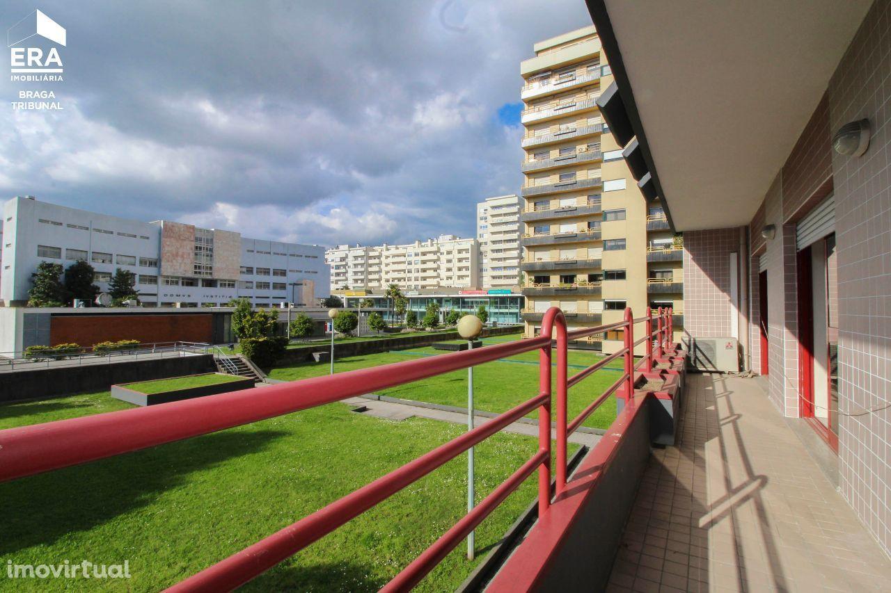 Apartamento T4 - prox. segurança social, Braga