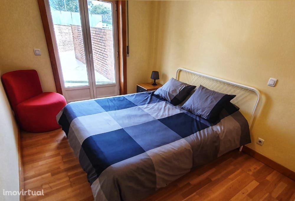 Apartamento T1 para arrendamento mobilado no Porto, H. S. João