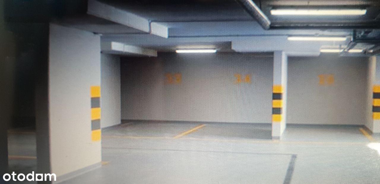 Sprzedam 2 miejsca garażowe k-ce bażantów 22