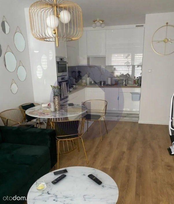 Wysoki standard/3 pokoje + 2 balkony /Poświętne