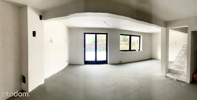 Duży dom w zabudowie szeregowej - Podlesie