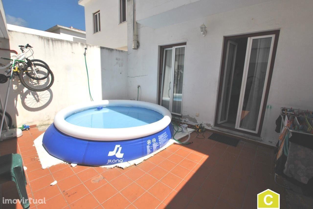 Moradia T2 com terraço - Óbidos