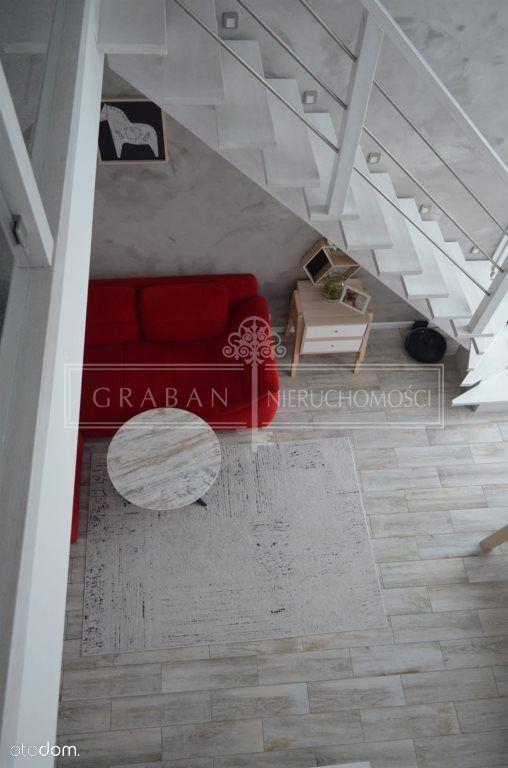 Dwupoziomowy apartament, 70,60 m2, garaż, Niemcz