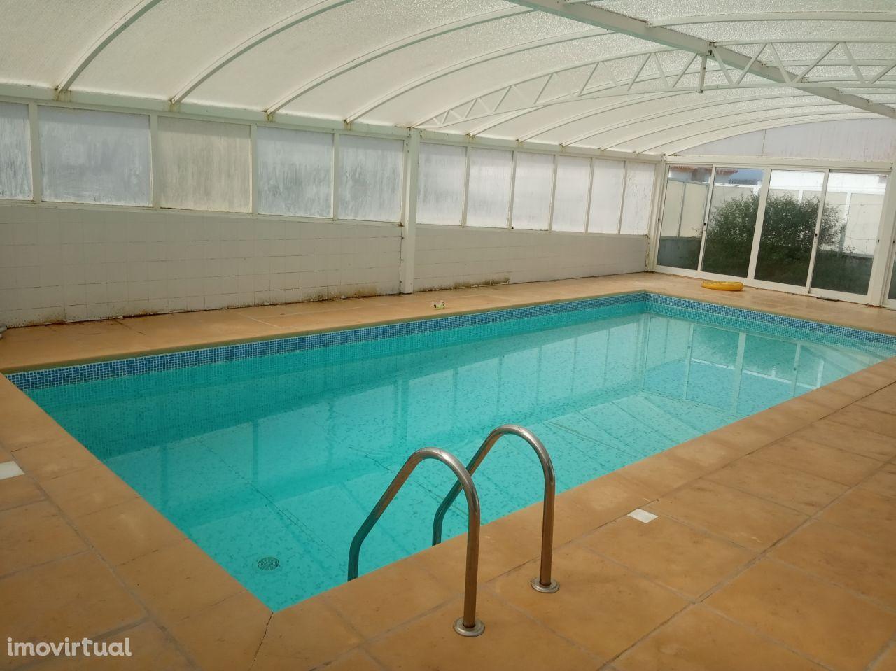 Fantástica moradia V4 com suite, piscina e churrasqueira com 466m2 na Lourinhã