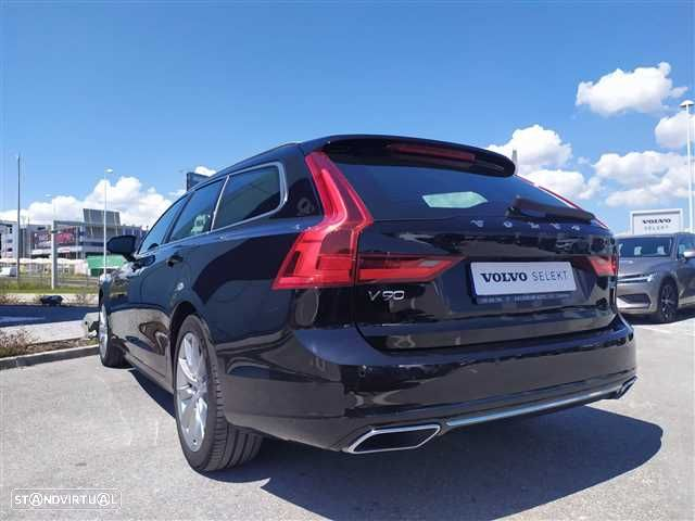 Volvo V90 2.0 T8 Momentum Plus AWD Geartronic - 4