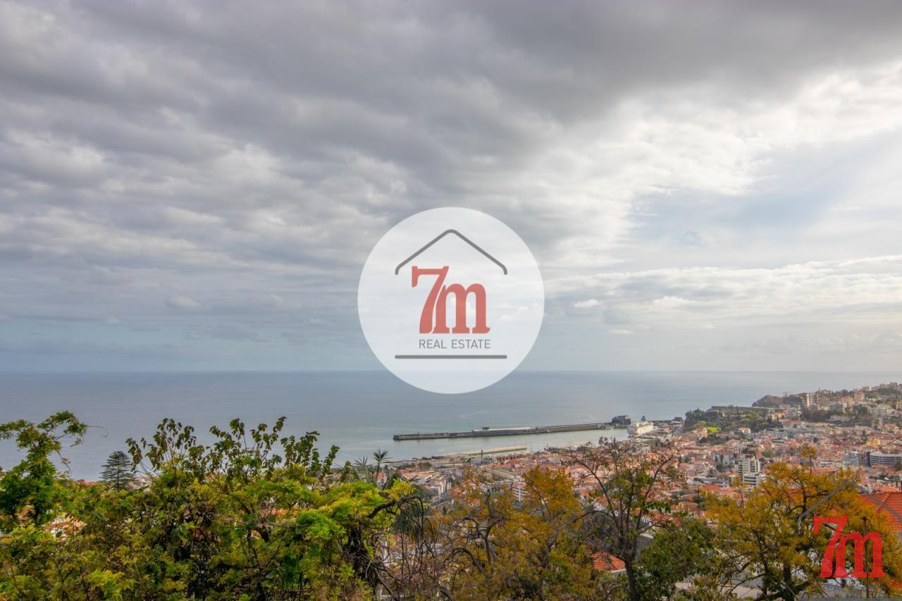 Moradia T3 Santa Maria Maior Funchal ref: F0417