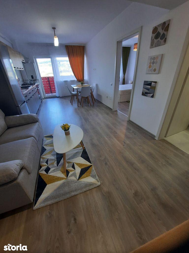 De închiriat apartament 2 camere cu parcare exterioara