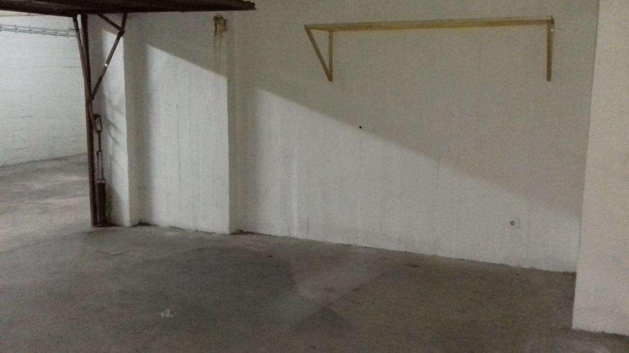 Garagem para comprar, Algés, Linda-a-Velha e Cruz Quebrada-Dafundo, Lisboa - Foto 1