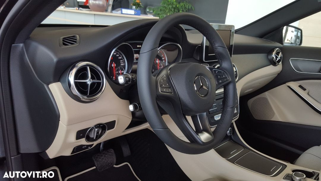 Mercedes-Benz GLA 180 - 13