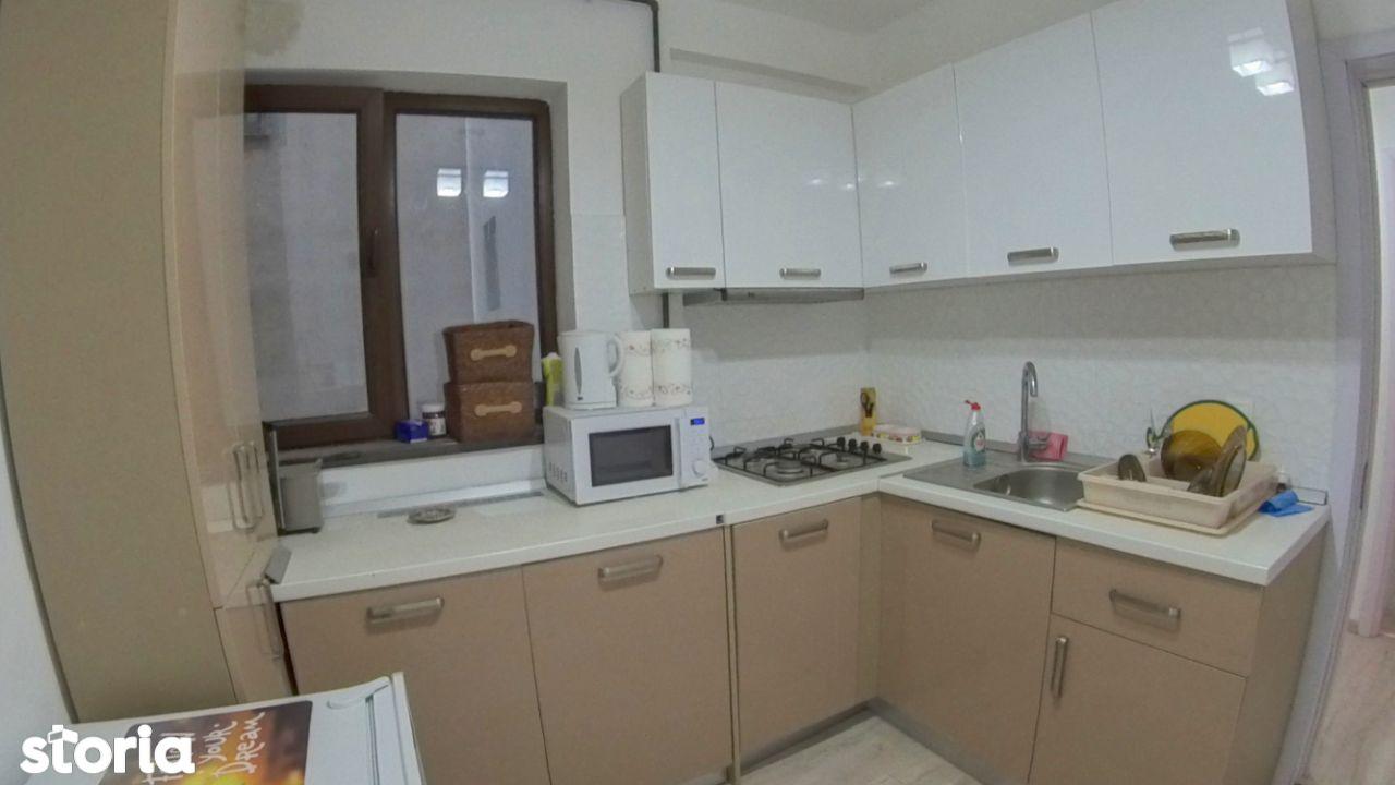 Apartament 2 camere cu loc de parcare, de inchiriat, Str. Dinu Lipatti