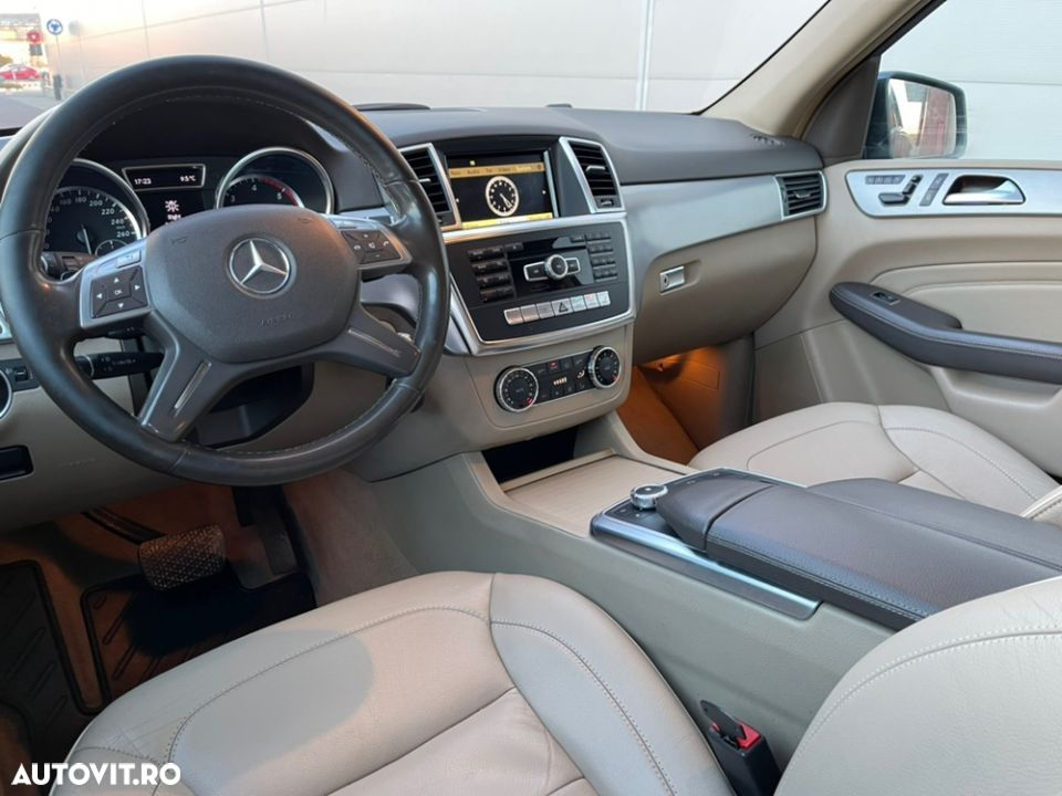 Mercedes-Benz ML 350 - 30