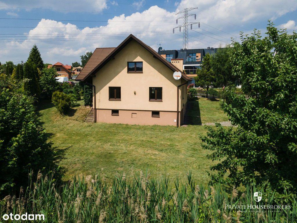 Dom z dużym ogrodem na Woli Justowskiej