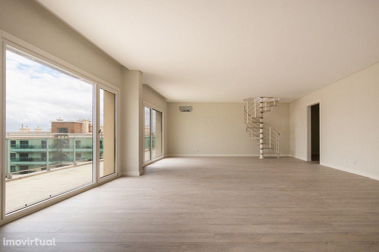 Apartamento T4+1 Duplex, 220 m2