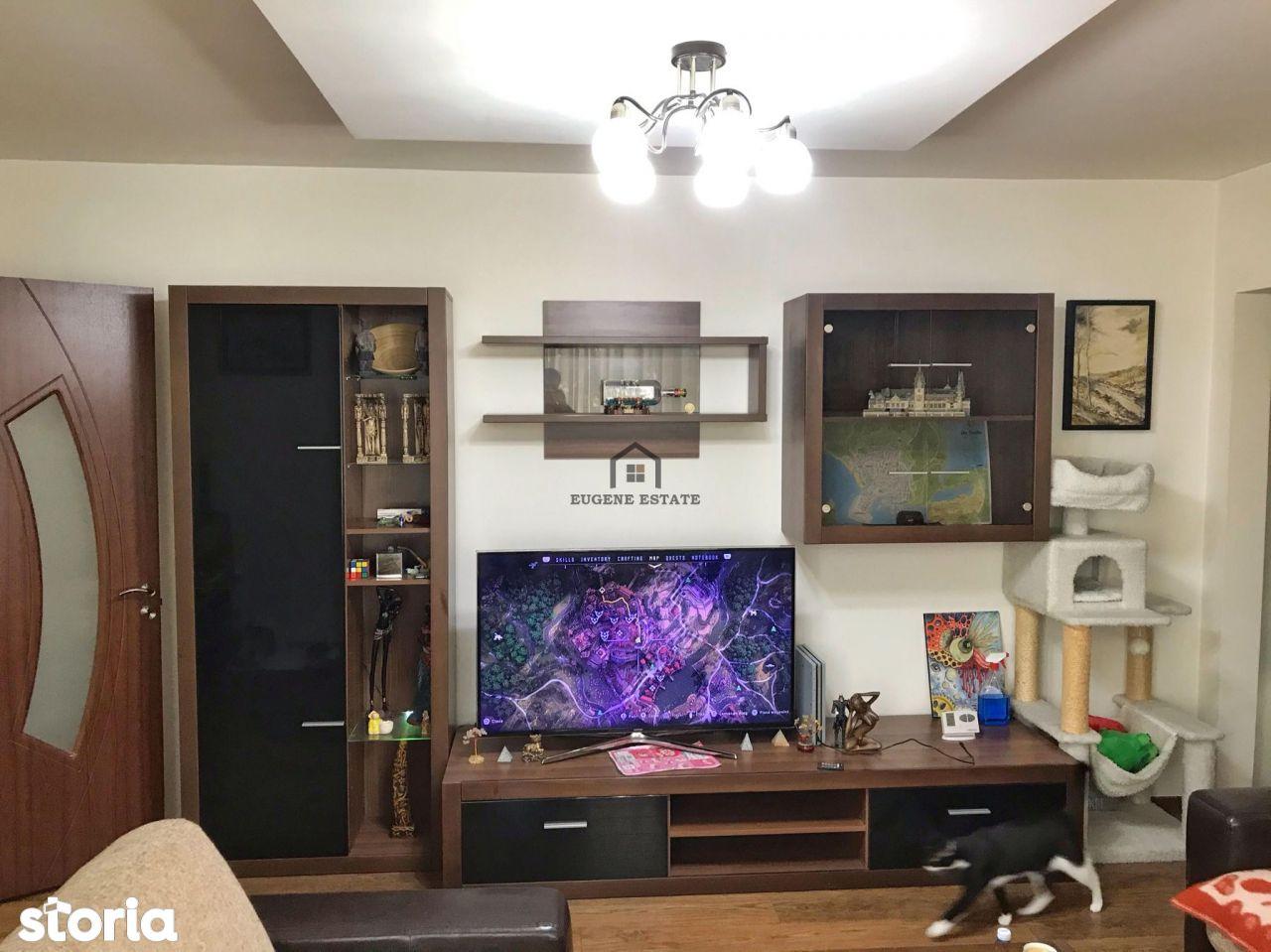 Apartament renovat - 3 camere - Zona Favorit
