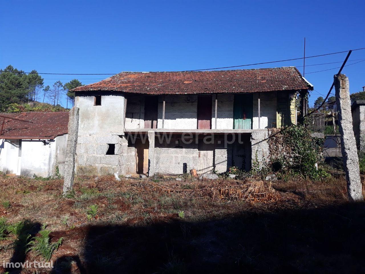 Moradia em Arões Santa Cristina