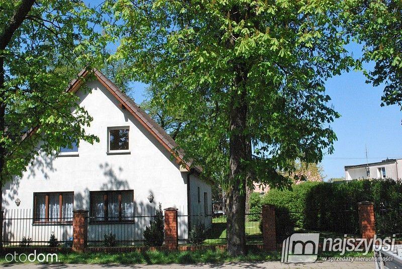 Dom z dużą działką w centrum Łobza